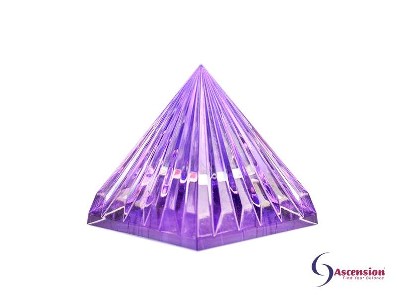 Geënergetiseerde licht van de sterren piramide violet