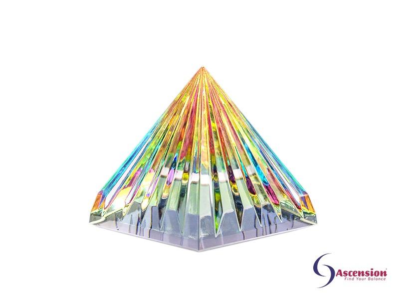 Geënergetiseerde multicolor piramide van Ascension