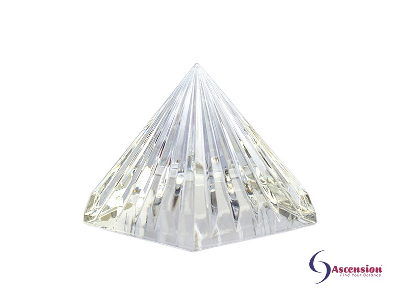 Geënergetiseerde heldere piramide van Ascension