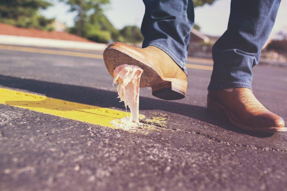 kauwgom onder schoen