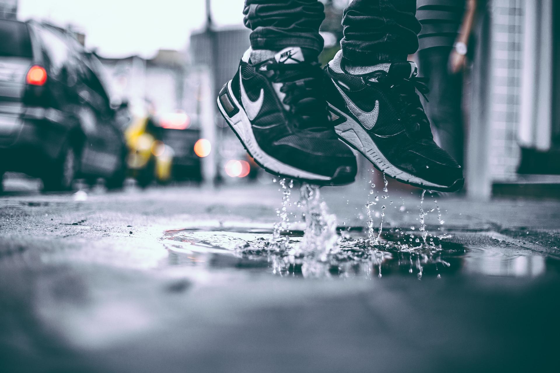 sneakers springen
